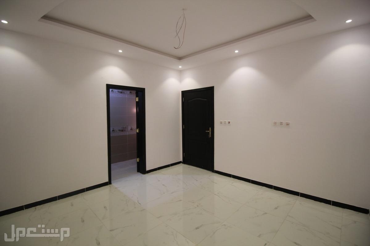 تملك شقه 4 غرف جديده بمنافعها ب 250  :الف ريال