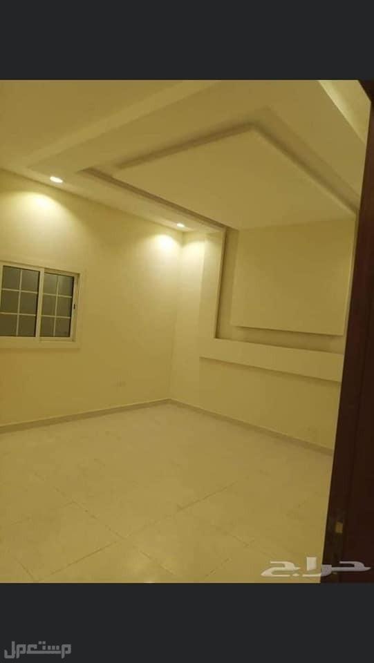 ملحق روف 5 غرف بسعر مميز من المالك مباشرة فرصة عقارية ........ والعرض محدود
