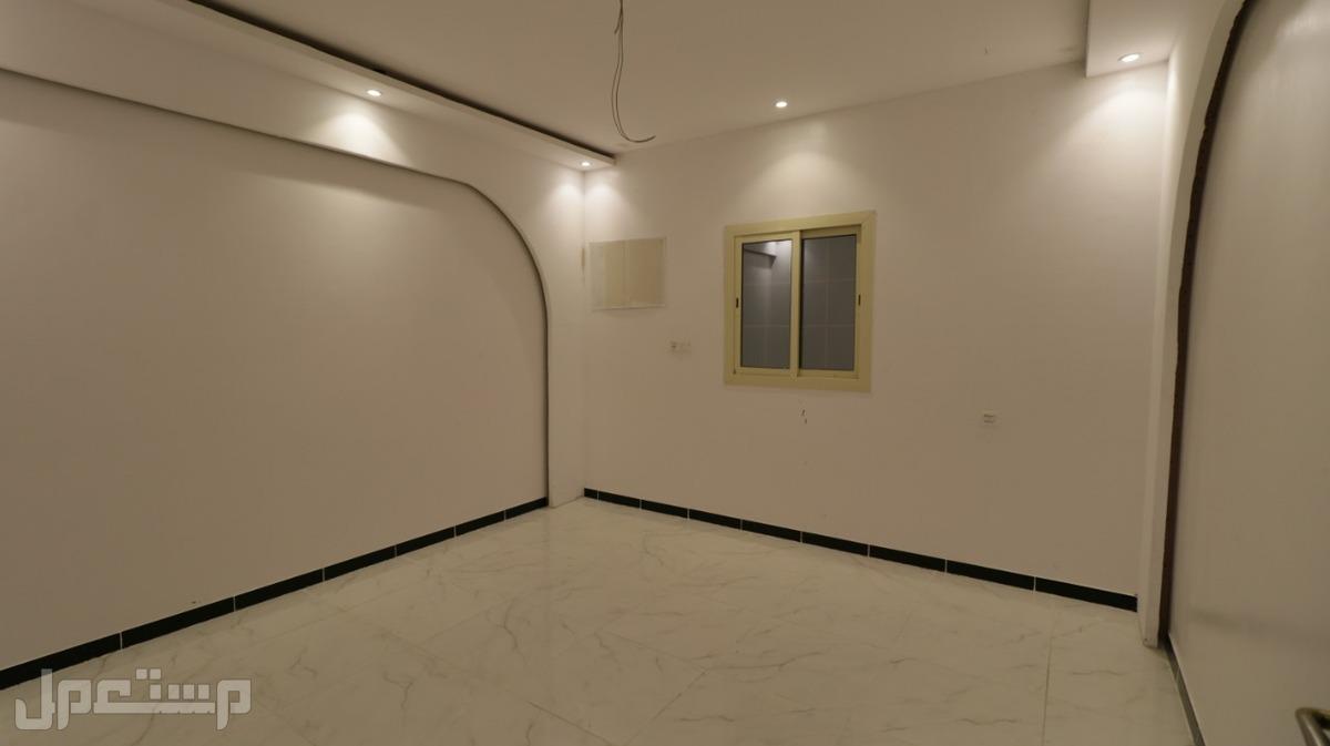 اغتنم الفرصة وتملك شقة  ملحق رووف 5 غرف مع السطوح بأقل سعر