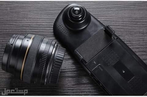 كاميرا مع مراية مدمجة