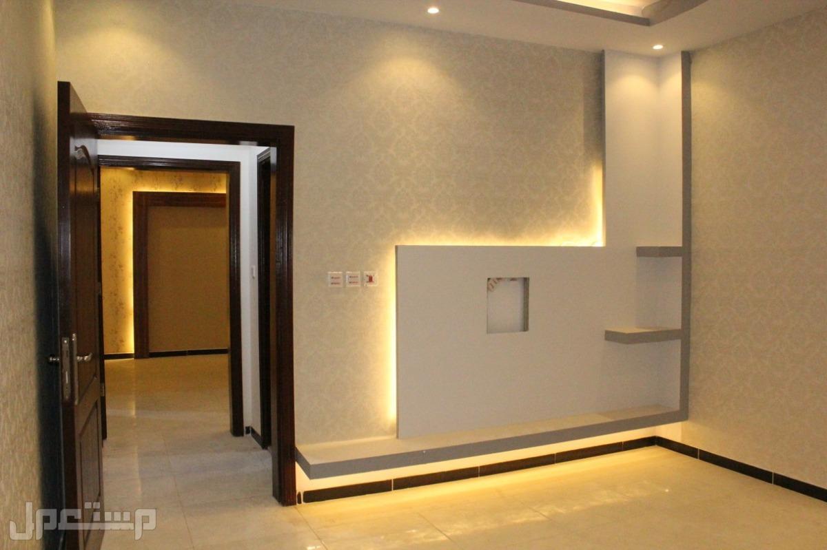 شقة 5 غرف امامية مدخلين المساحة 150 م السعر 310 الف فقط من المالك مباشرة