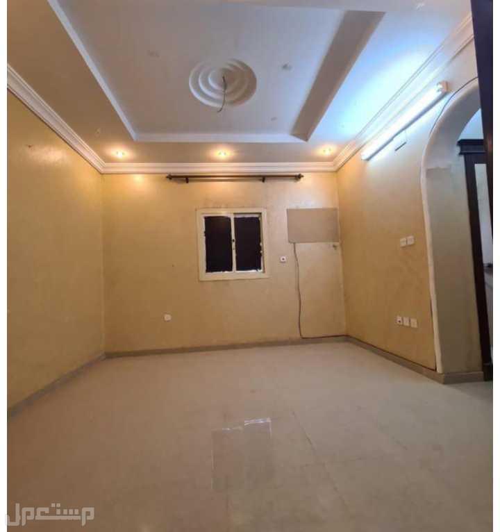 اغتنم الفرصه وتملك شقة 5غرف اماميه بمدخلين باقل ألاسعار