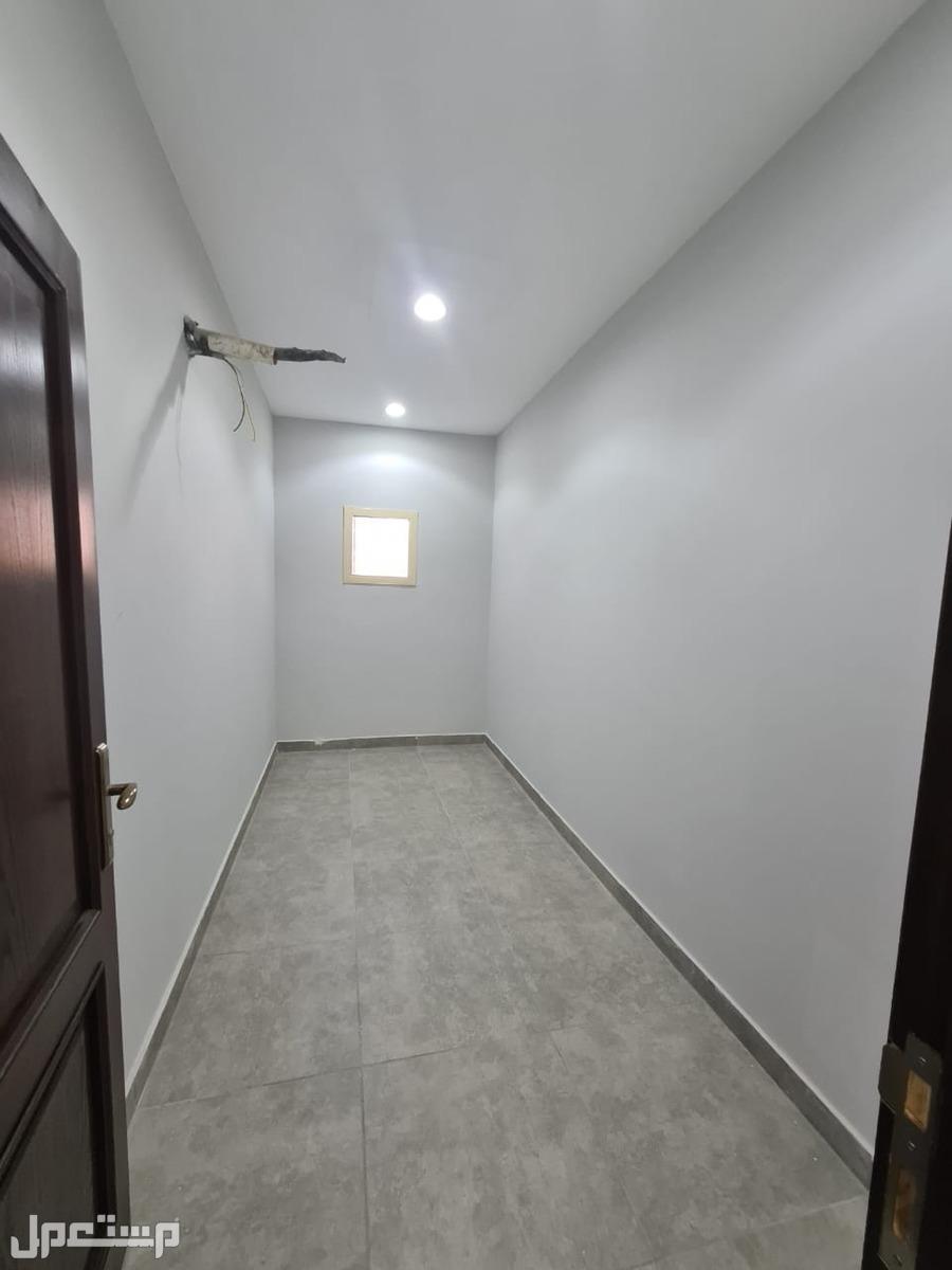 شقة للبيع 3 غرف بسعر مناسب ومساحة كبيرة