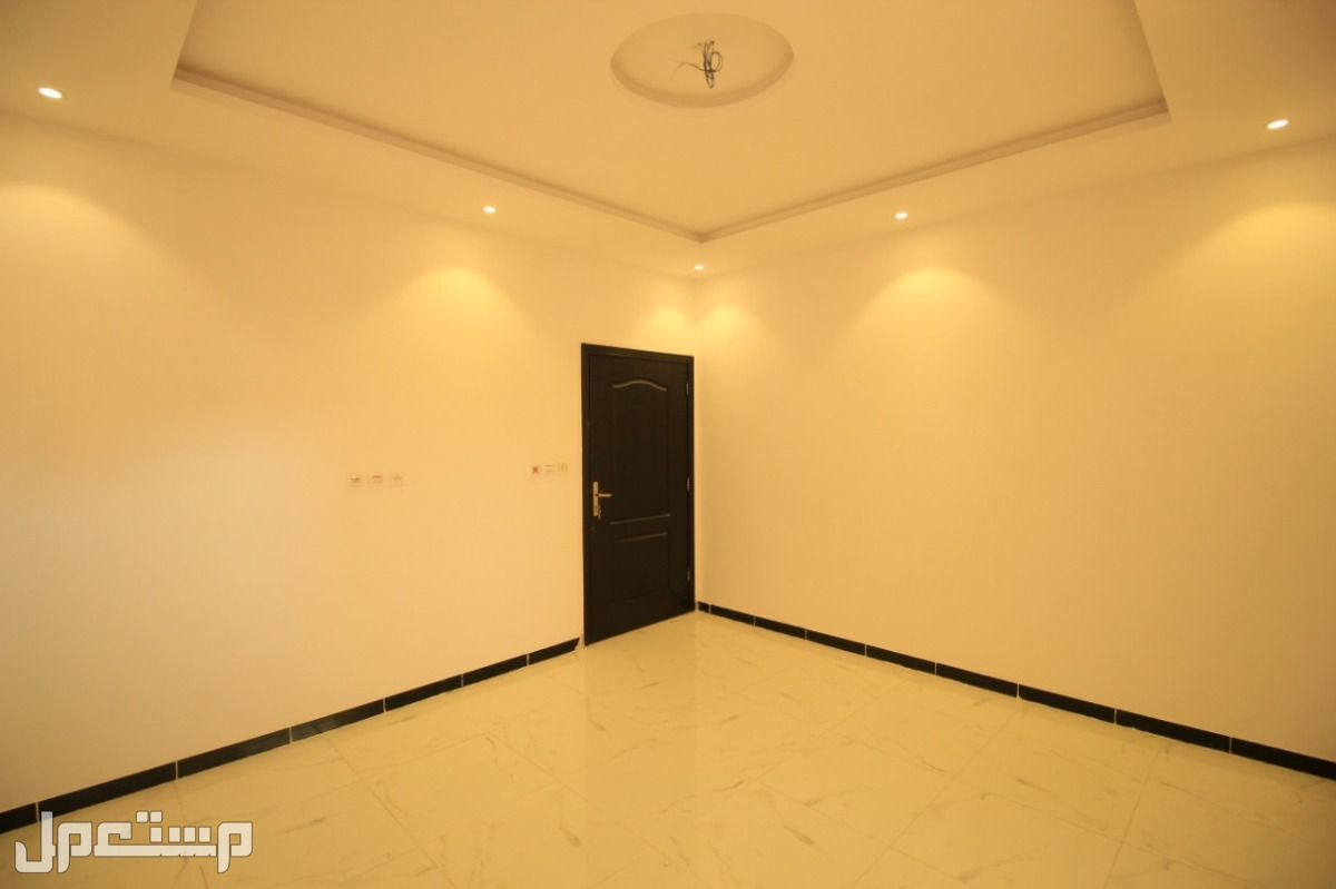شقة 3 غرف بتصميم حديث قرب الخدمات بأقل سعر
