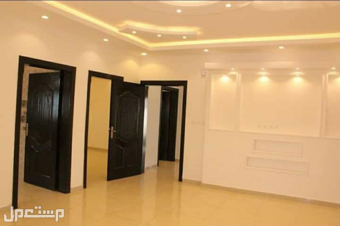 شقة 5 غرف بسعر مغري من المالك مباشرة