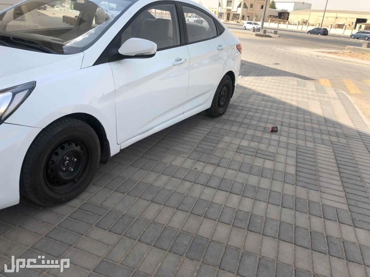 سيارة اكسنت للبيع