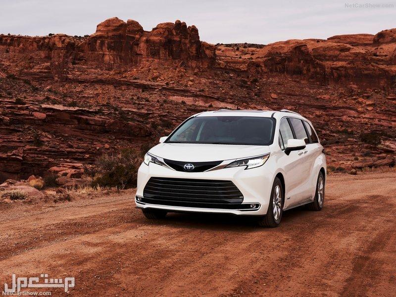 Toyota-Sienna-2021