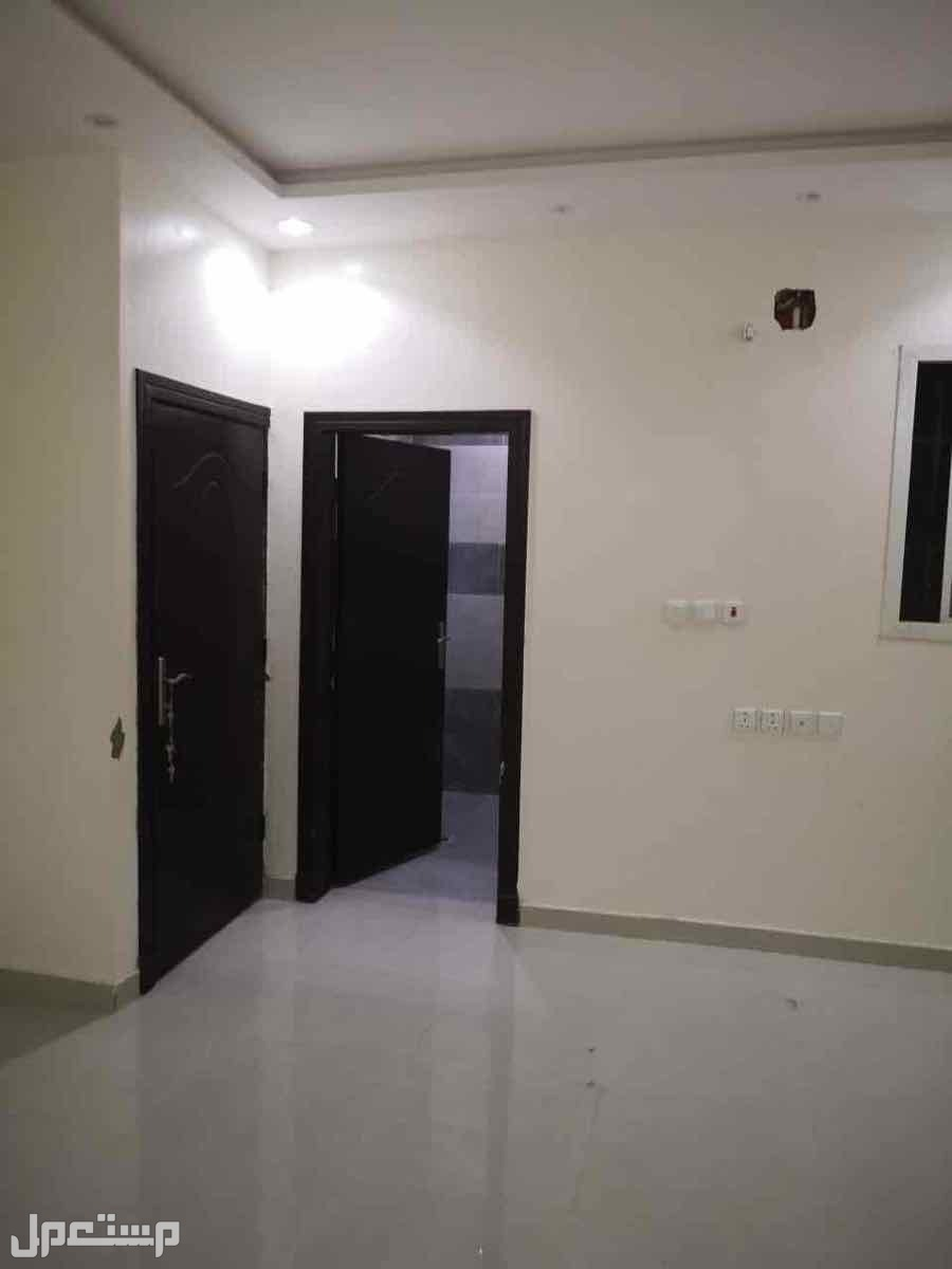 شقة للبيع بحي لبن بقمية (454000) الف ريال قابل للتفاوض للصامل