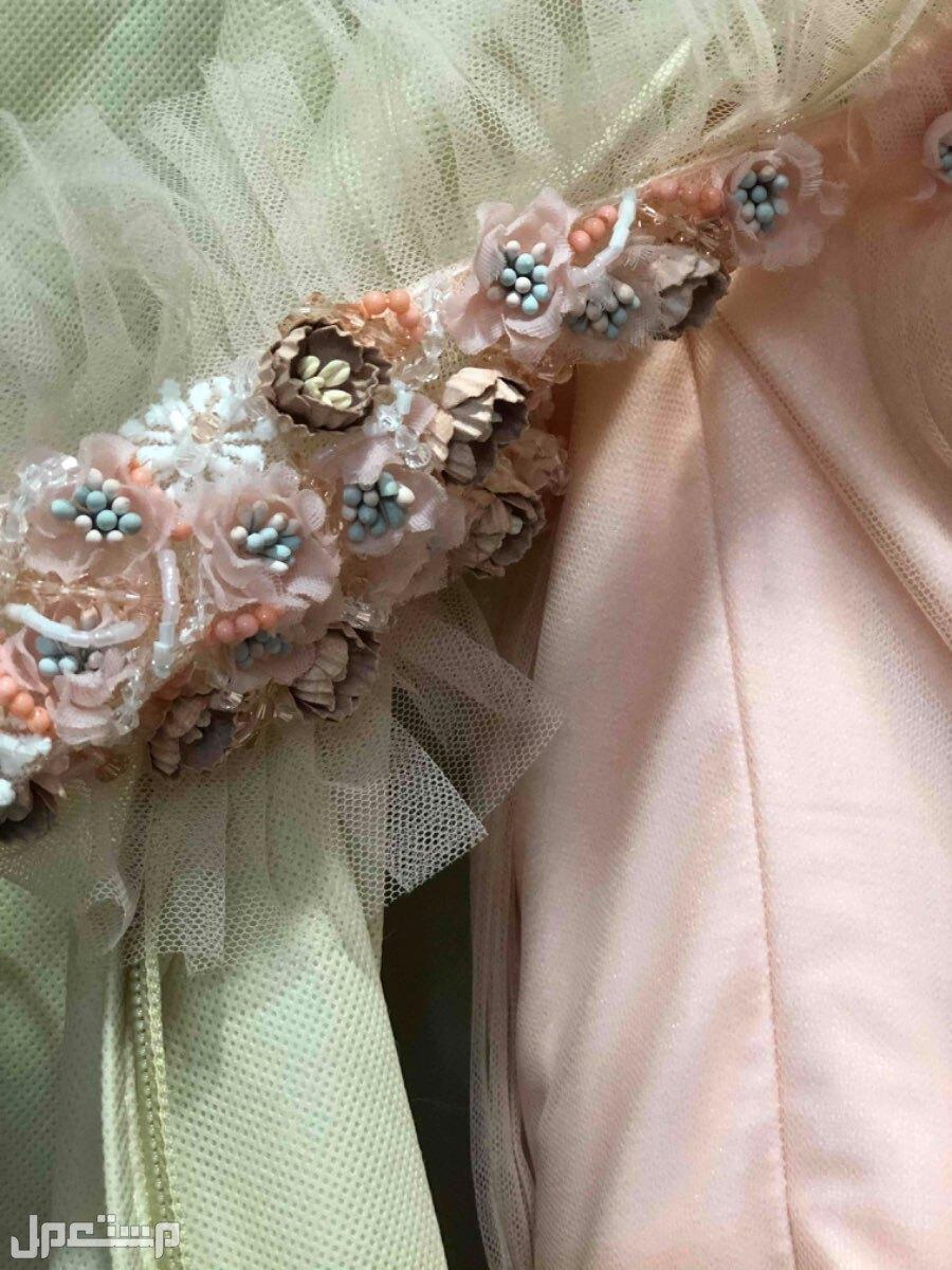 فستان ملكة من بوتيك RN الكم ونوع التطريز