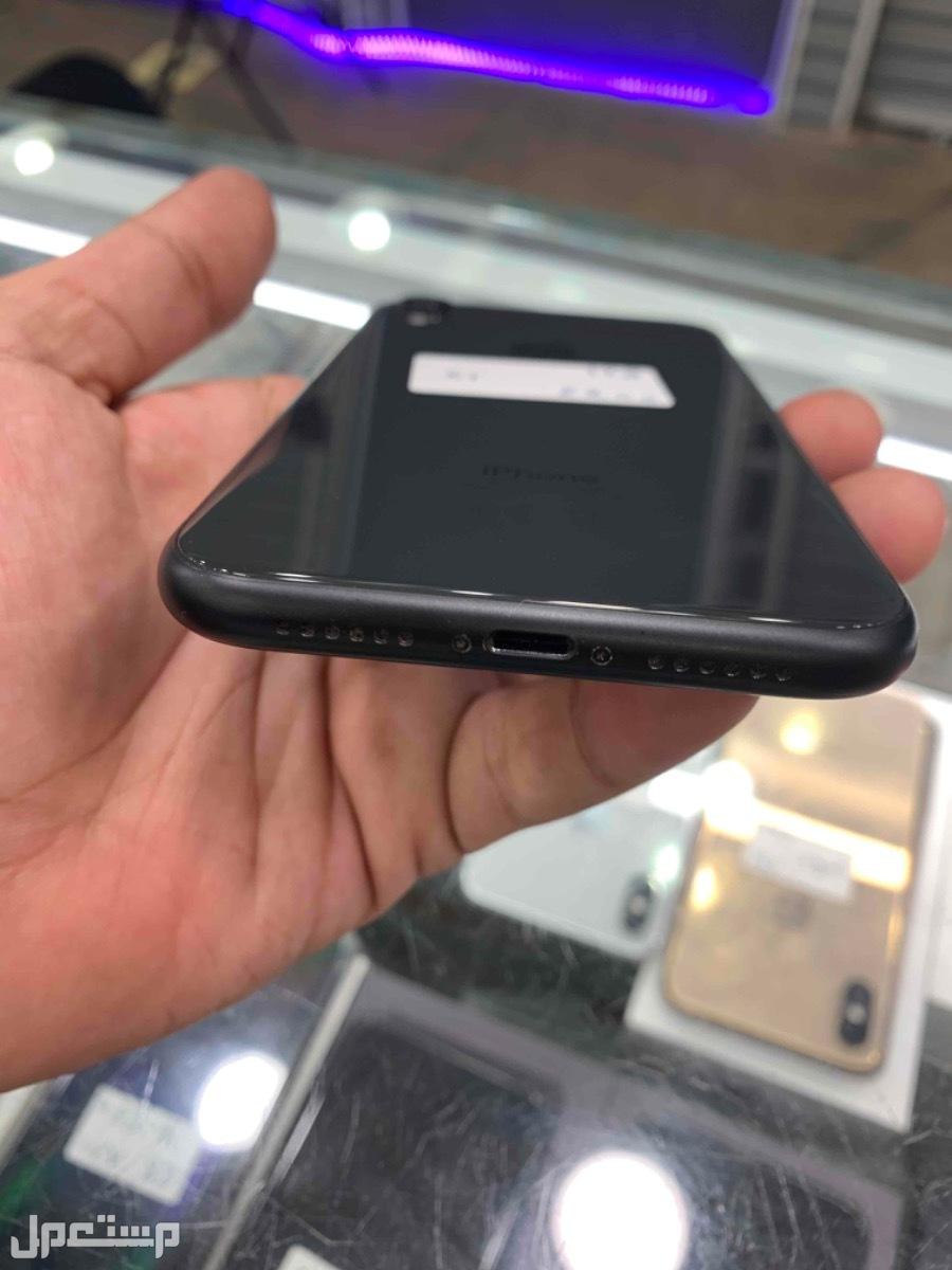 للبيع ايفون xr اسود 128 مستخدم نظيف