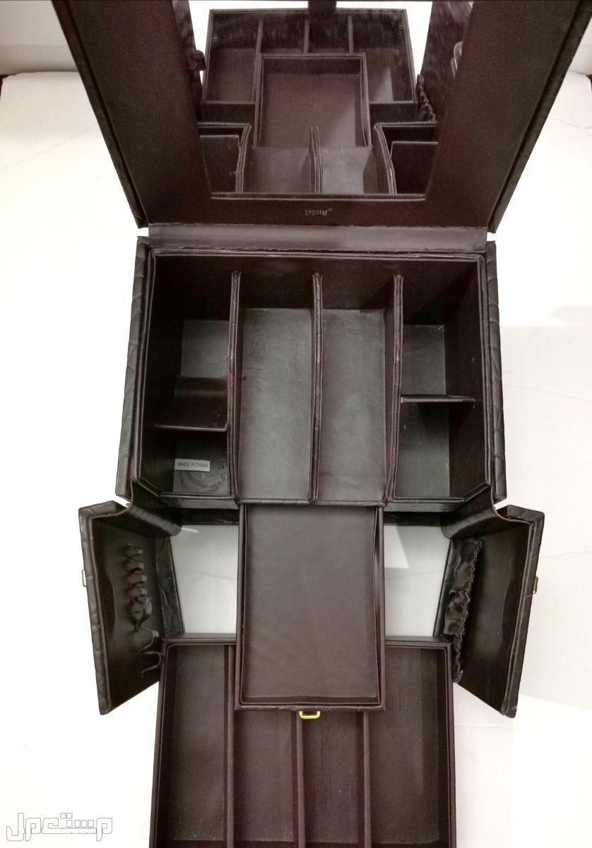 صندوق فاخر جلد للمكياج أو المقتنيات الخاصة