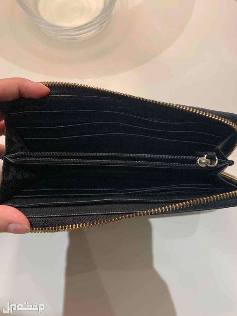 محفظه دكني نظيفه جداً