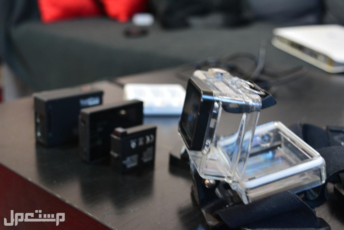 GoPro Hero4 Black  مع كل ملحقاتها وملحقات اضافية رائعة وفرصة بطارية اضافية مع شاحن لبطاريتين