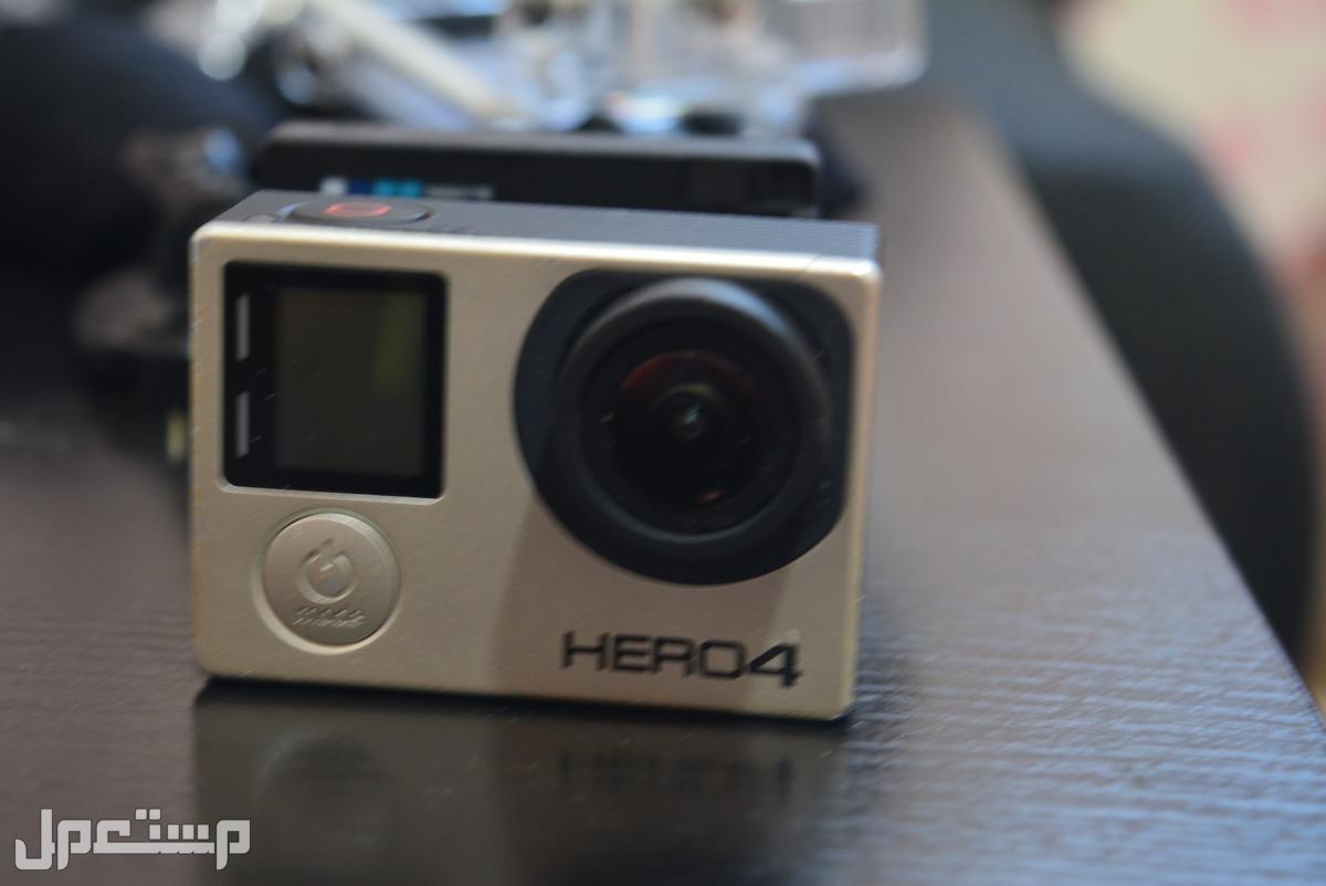 GoPro Hero4 Black  مع كل ملحقاتها وملحقات اضافية رائعة وفرصة حالة ممتازة