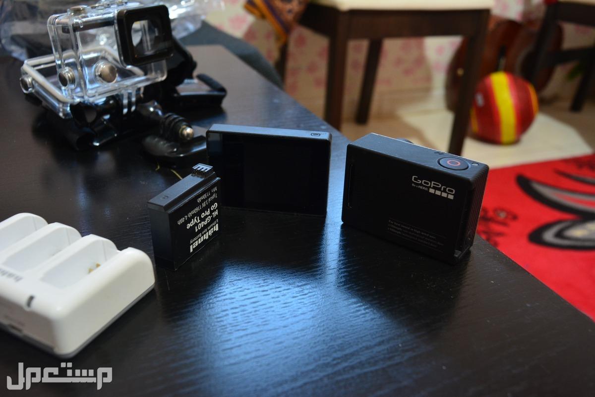 GoPro Hero4 Black  مع كل ملحقاتها وملحقات اضافية رائعة وفرصة متعلقات مختلفة