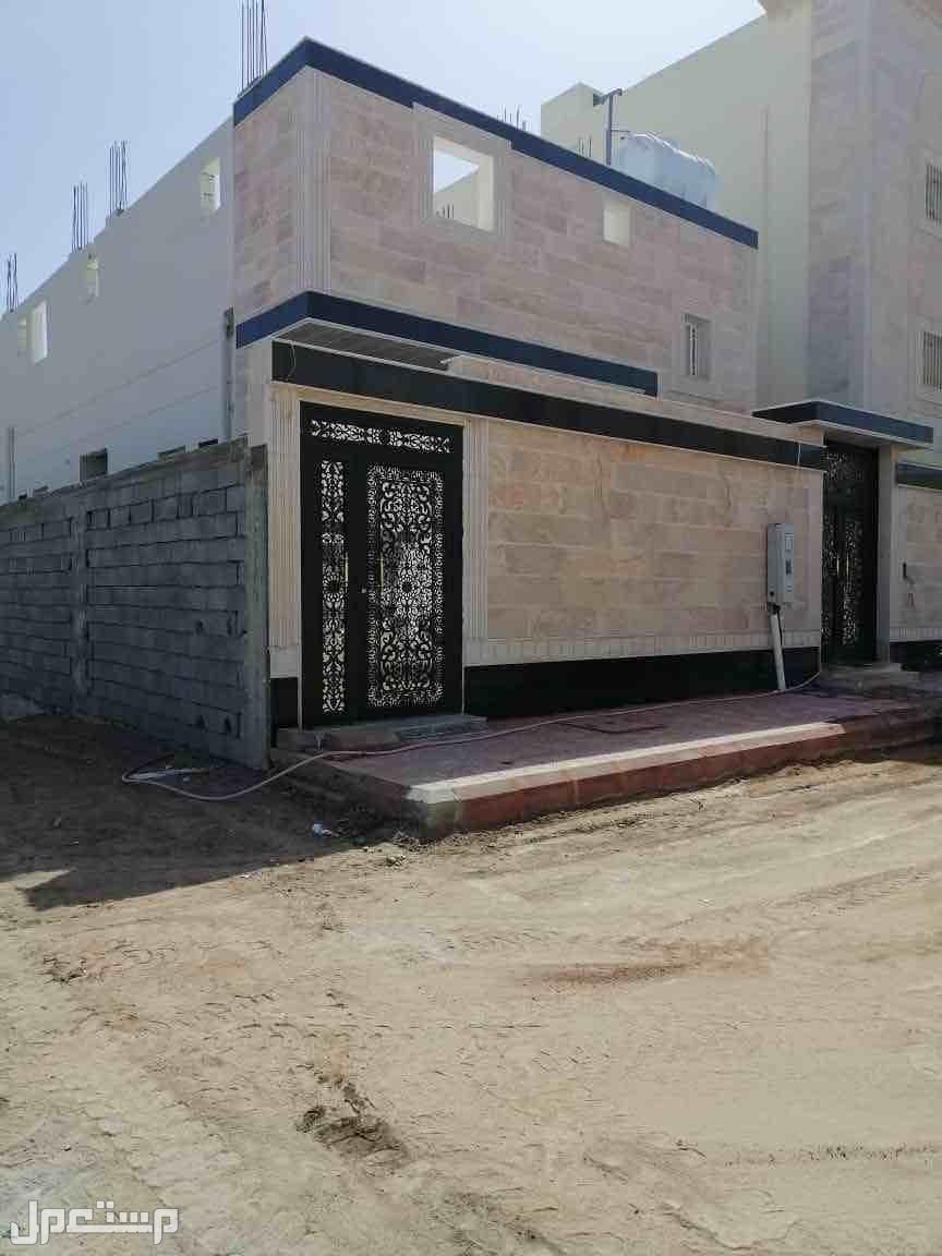 عماره جديده بالتلال الشرقي 5غرف +صاله +مجلس في ا