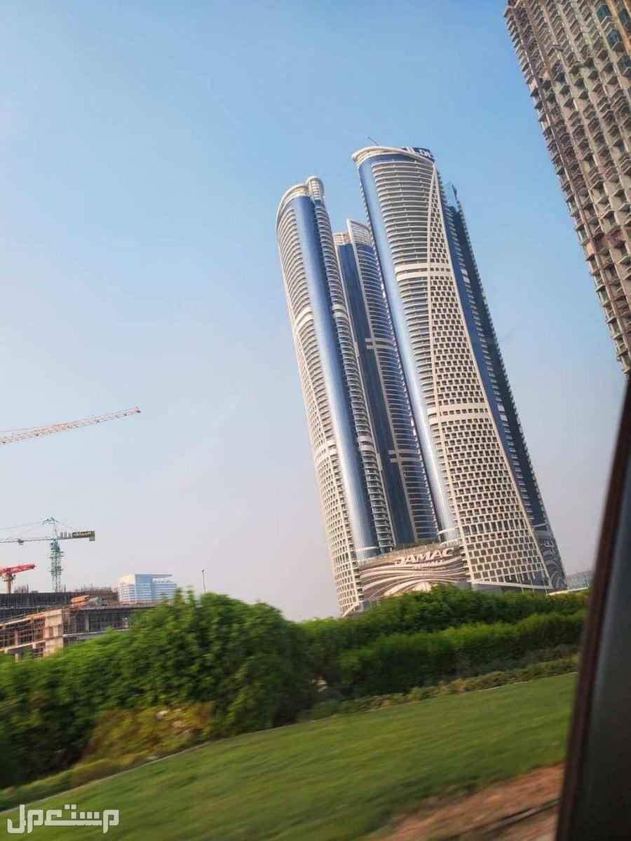 حياة فاخرة مستوحاة من هوليوود في داون تاون دبي