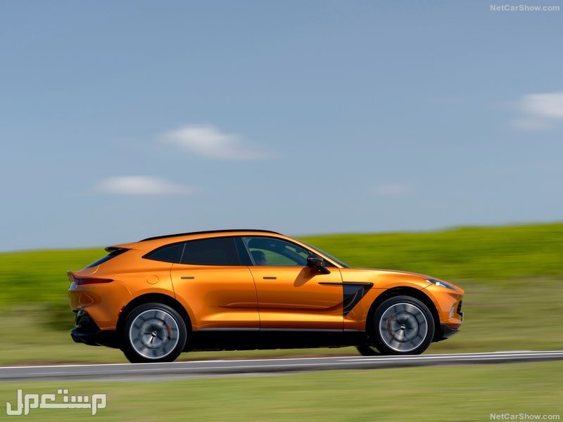 Aston Martin DBX Golden Saffron (2021)