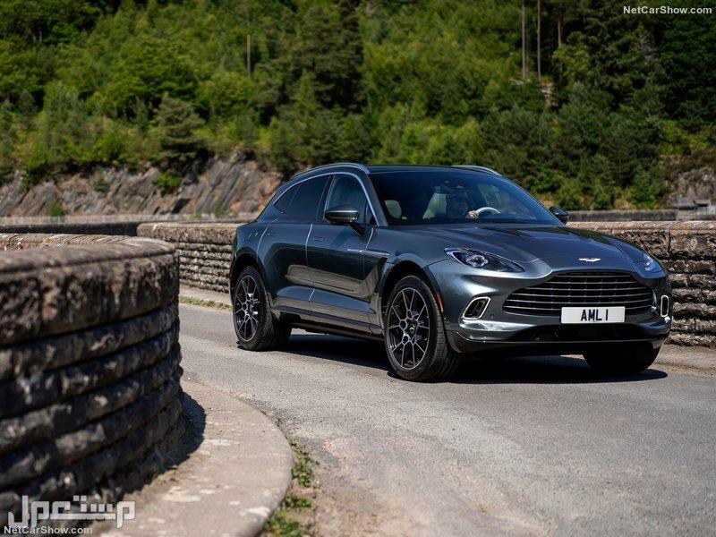 Aston Martin DBX Stirling Green (2021)