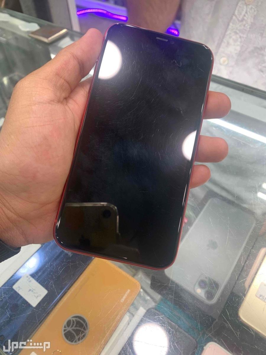 للبيع ايفون 11 مستخدم 128 احمر