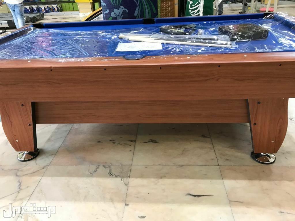 طاولة بلياردو حجم كبير
