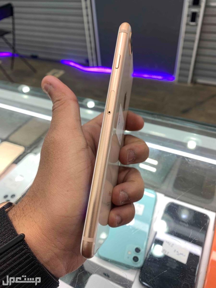 للبيع ايفون 8 بلس 64 ذهبي مستخدم