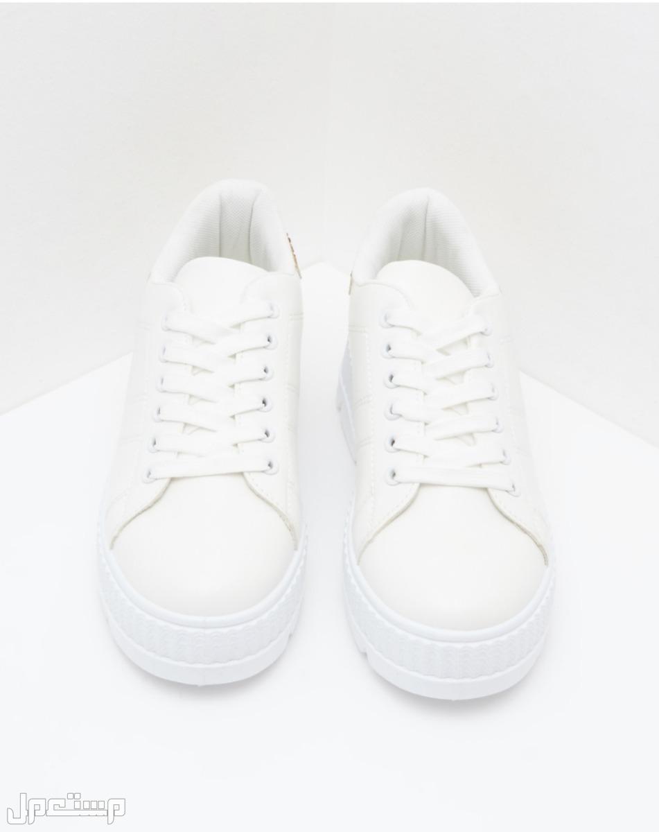 سنيكر أبيض جديد مقاس 40