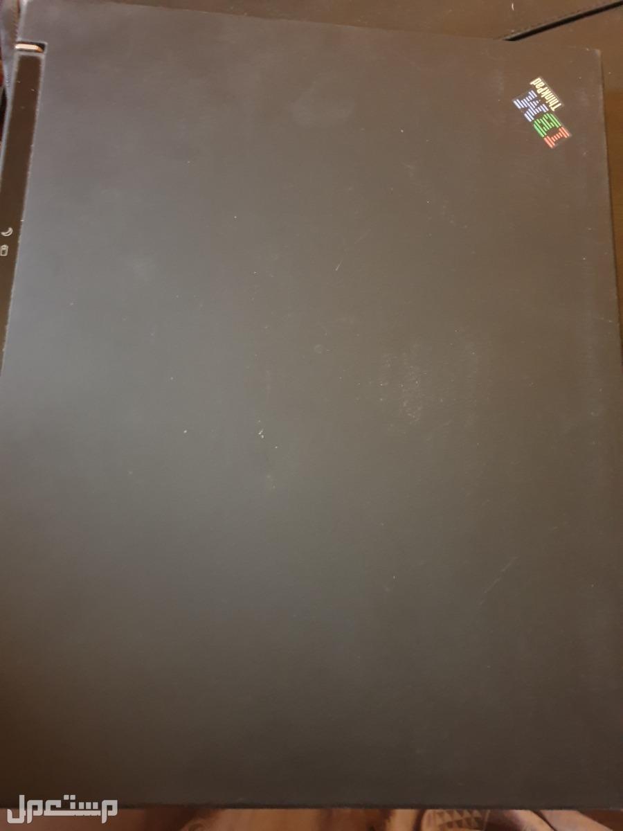 كمبيوتر محمول صغير وقوي IBM