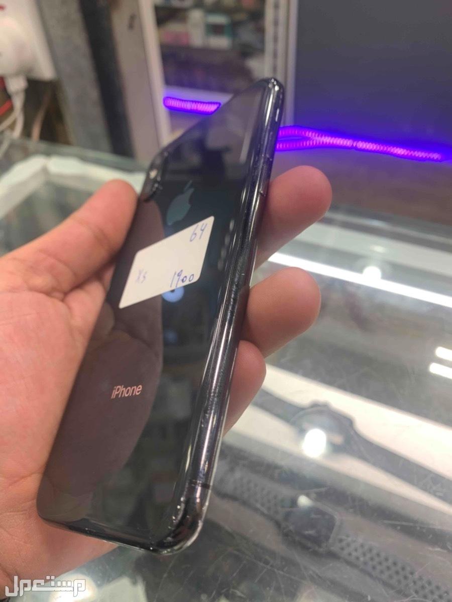 للبيع ايفون اكس اس 64 مستخدم اسود