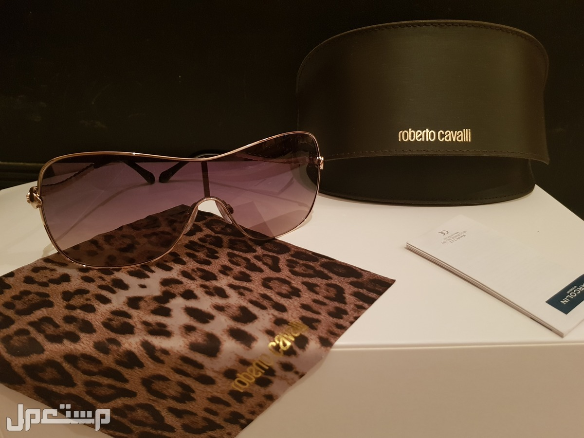 نظارة شمسية جديدة