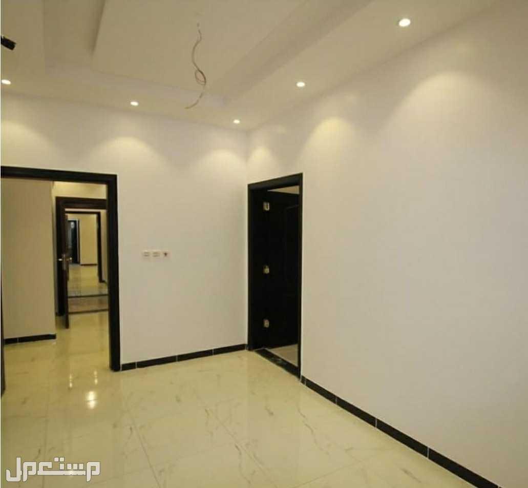 شقة تمليك 4 غرف بمدخلين بسعر مغري