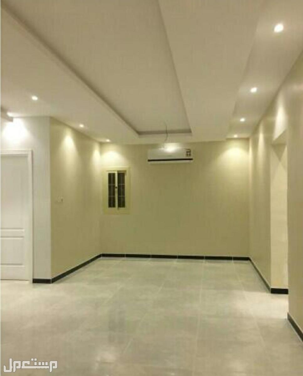 شقة 5 غرف بمدخلين بسعر لقطة من المالك مباشرة