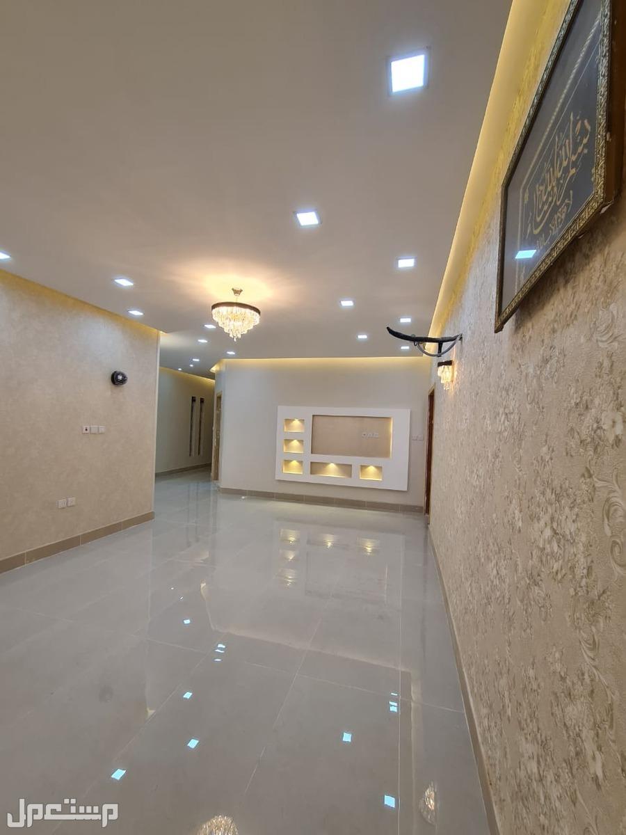 شقة5 غرف بسعر ممتاز وتصميم جذاب بحي الصفا