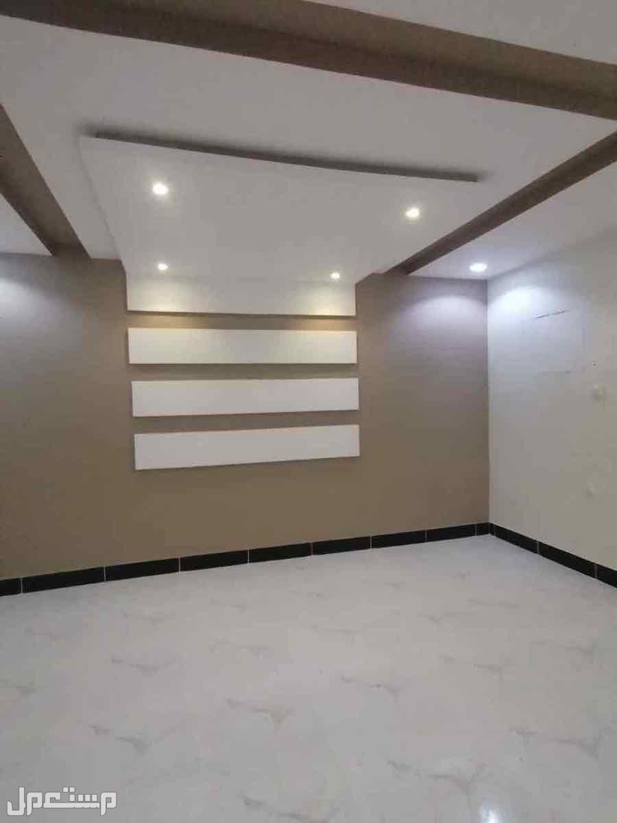 شقق للبيع بجده حي التيسير 7غرف بمنافعها مساحه 250 م