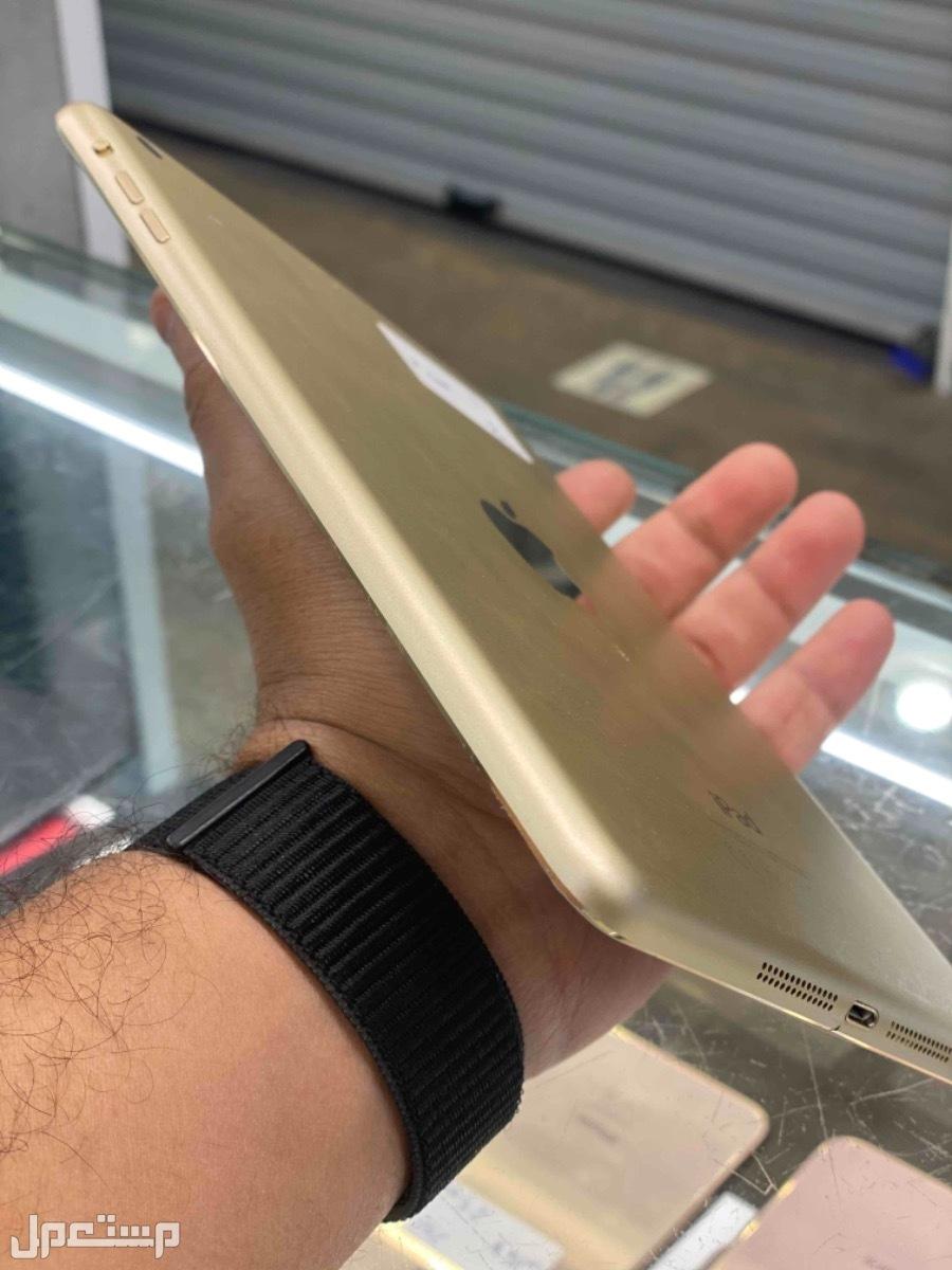 للبيع ايباد ميني 3 ذهبي 64 مستخدم