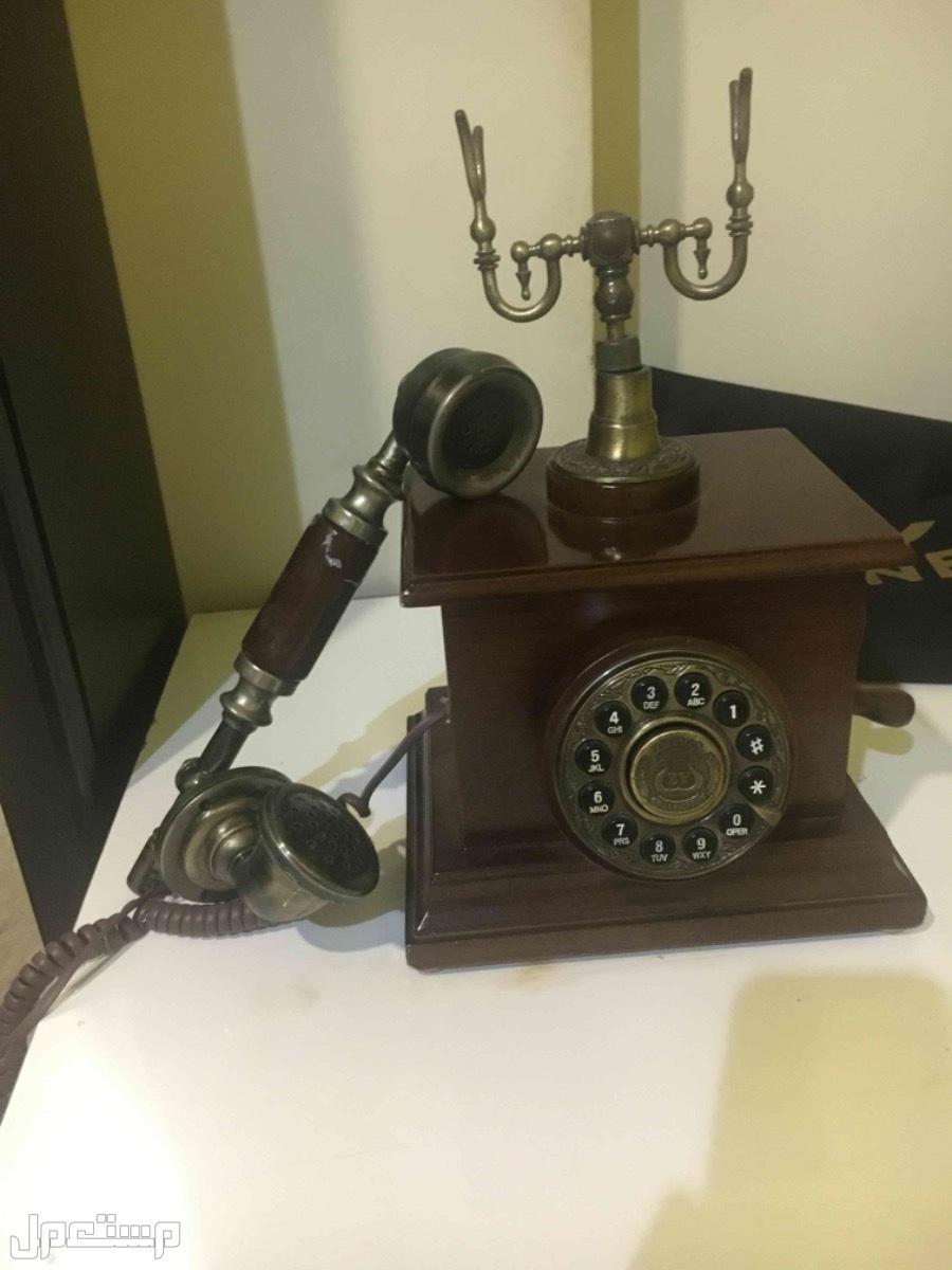 هاتف ثابت موديل قديم ( تحفة قديمه )