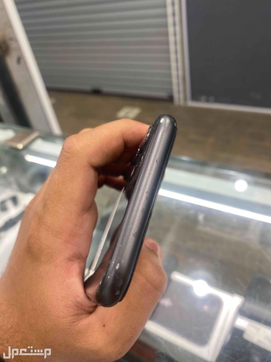 للبيع ايفون 11 اسود 64 مستخدم