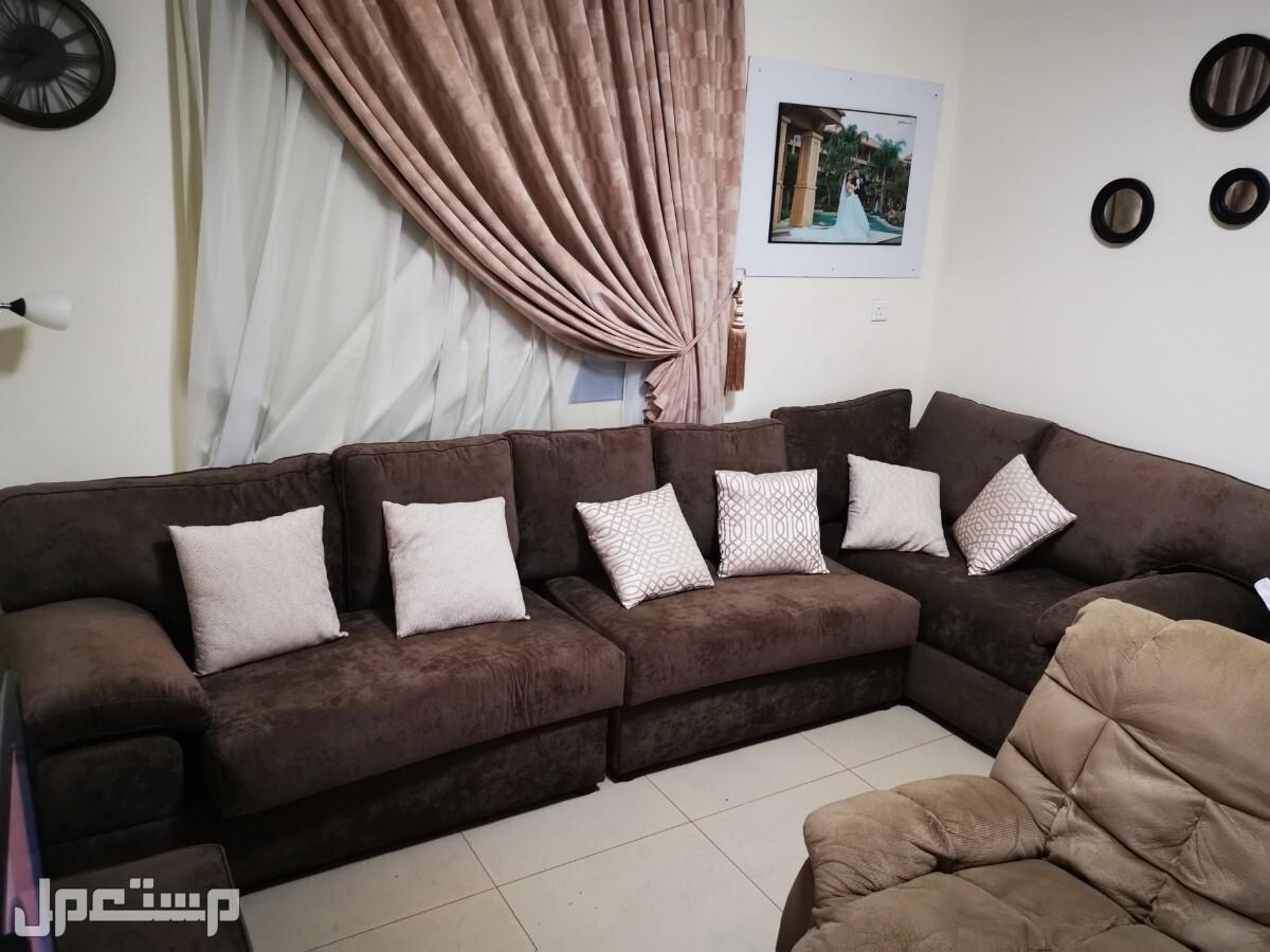 كنبة حرف L و مسند قدم L shaped couch