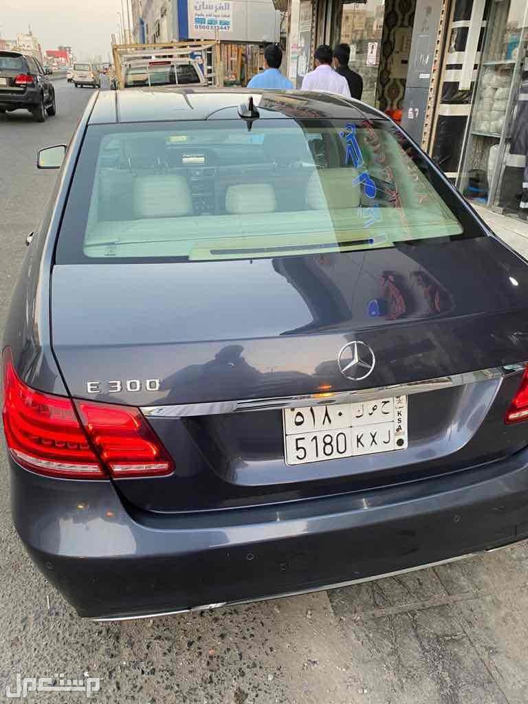 السيارة نظيفة لم تتعرض لحادث او صدمات او خدوش من الخلف