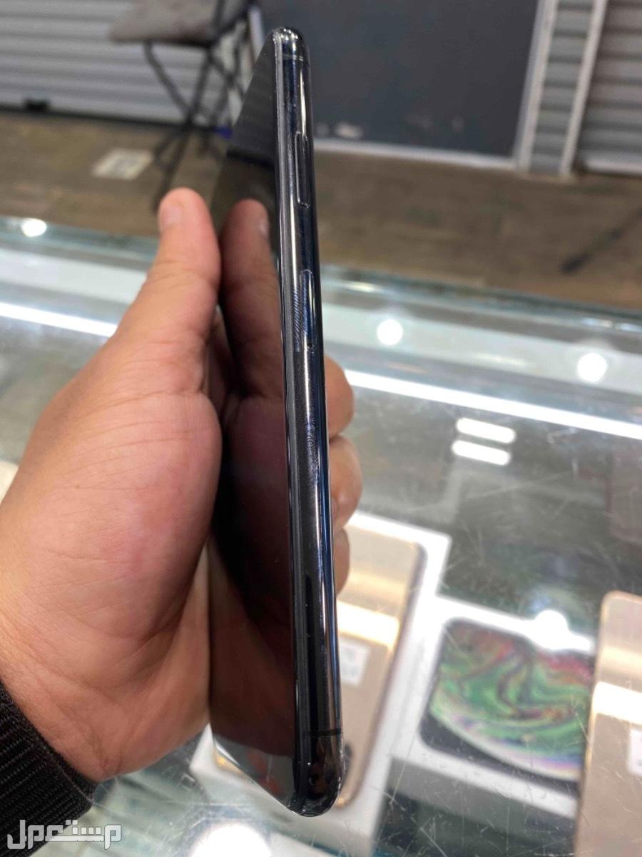 للبيع ايفون اكس اس ماكس 256 مستخدم اسود