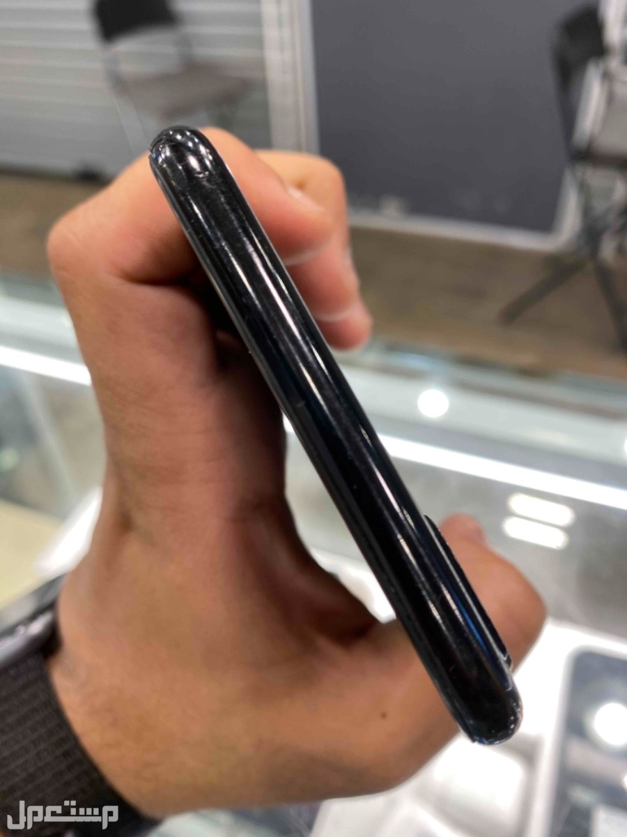 للبيع ايفون 7 بلس 256 مستخدم اسود