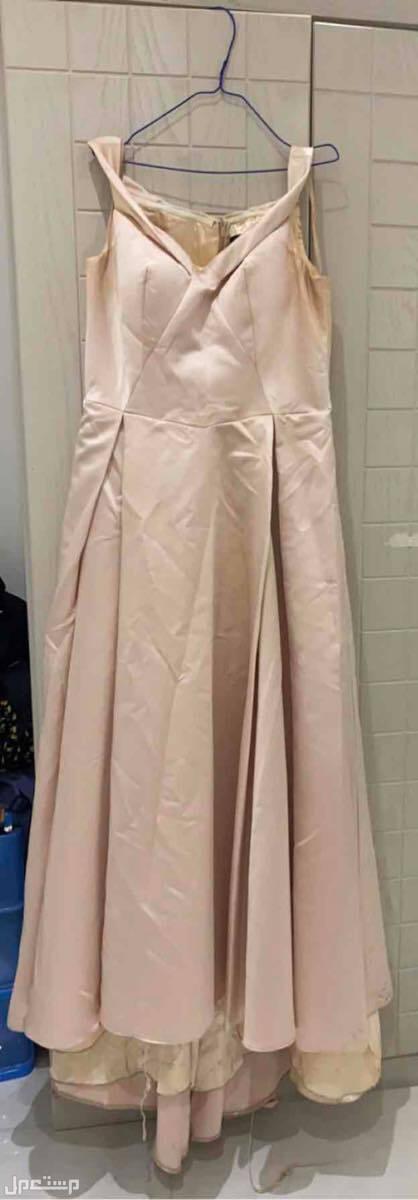 فستان مستخدم