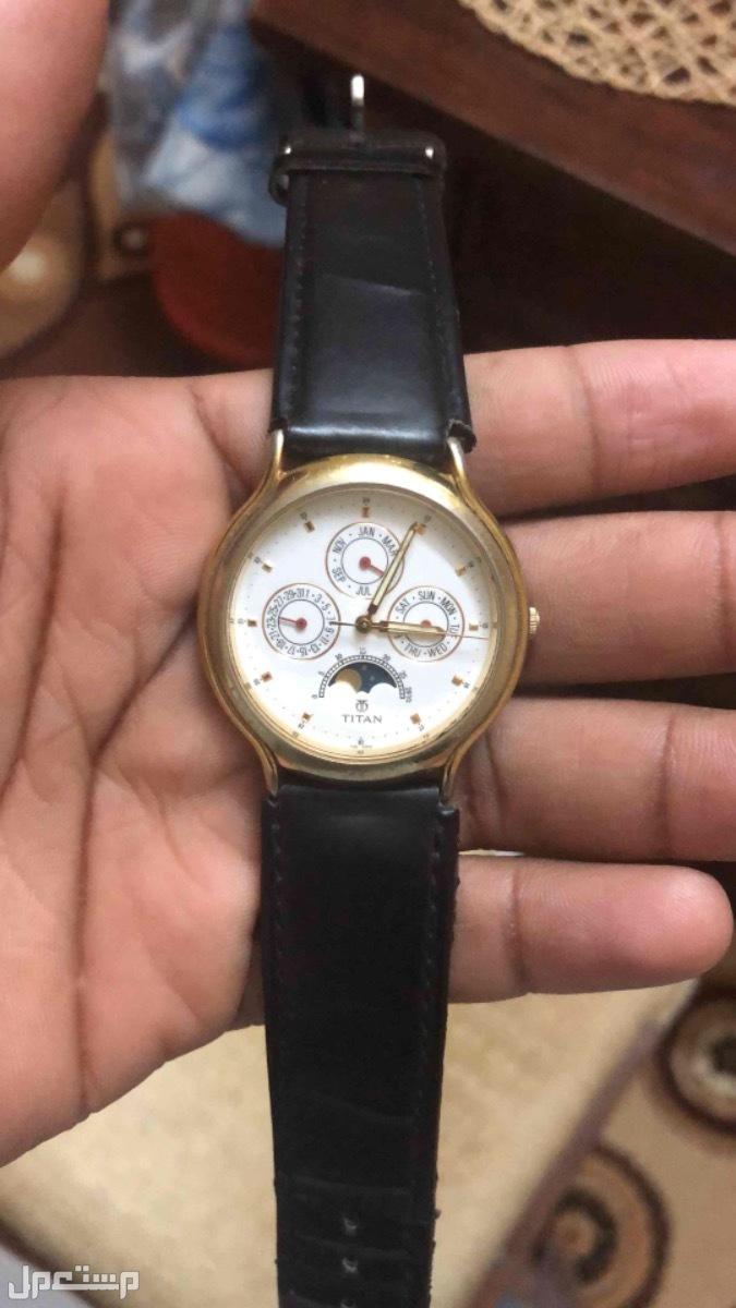 ساعة نادرة وكلاسيكية