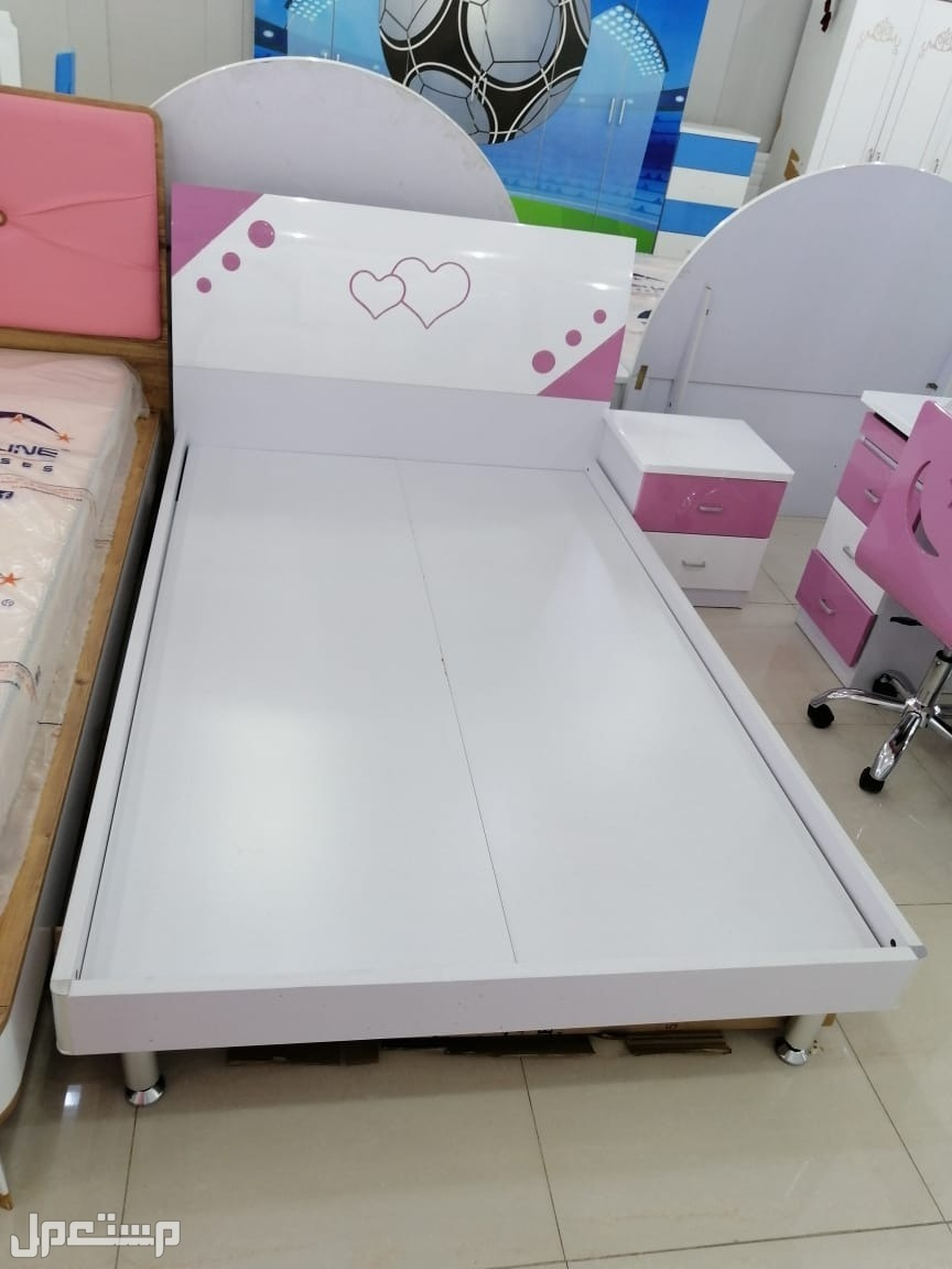 غرف نوم أطفال فخمة جدا ومميزة ومن اقوى انواع الاخشاب