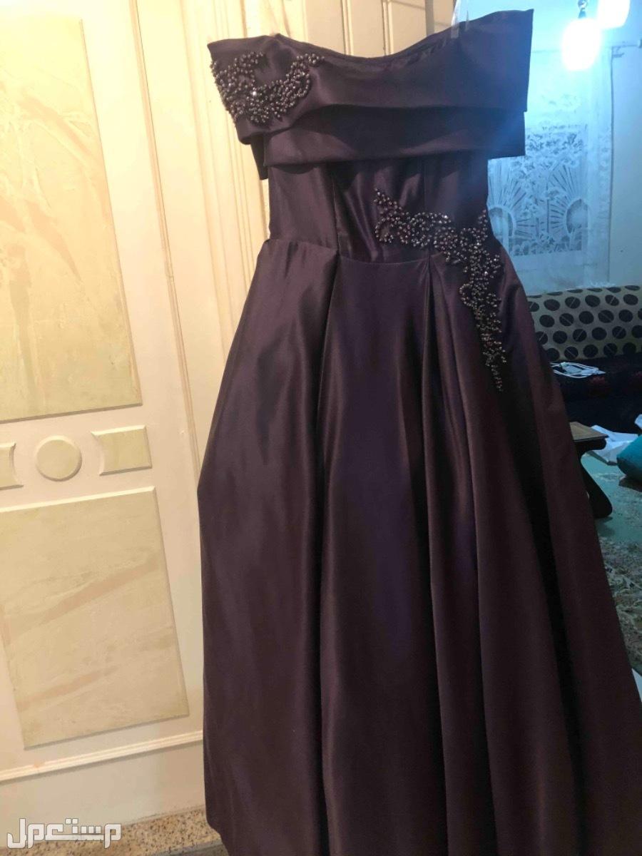 فستان بتصميم حديث مميز وعصري