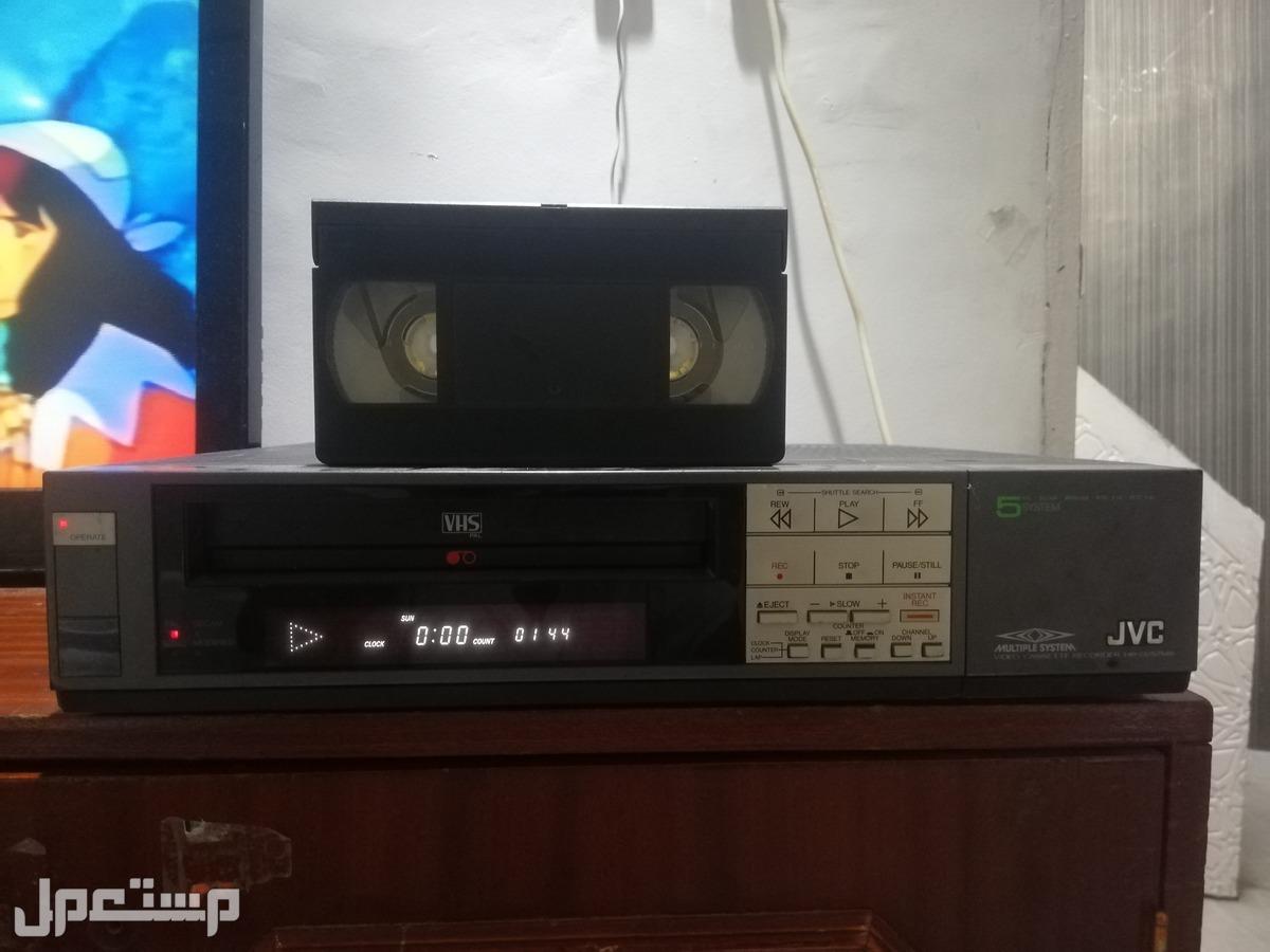 فيديو جي في سي مخزن يعمل بحاله ممتازه بدون ريموت