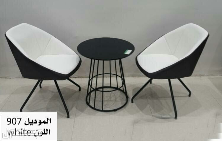 طقم طاوله مع كرسيين