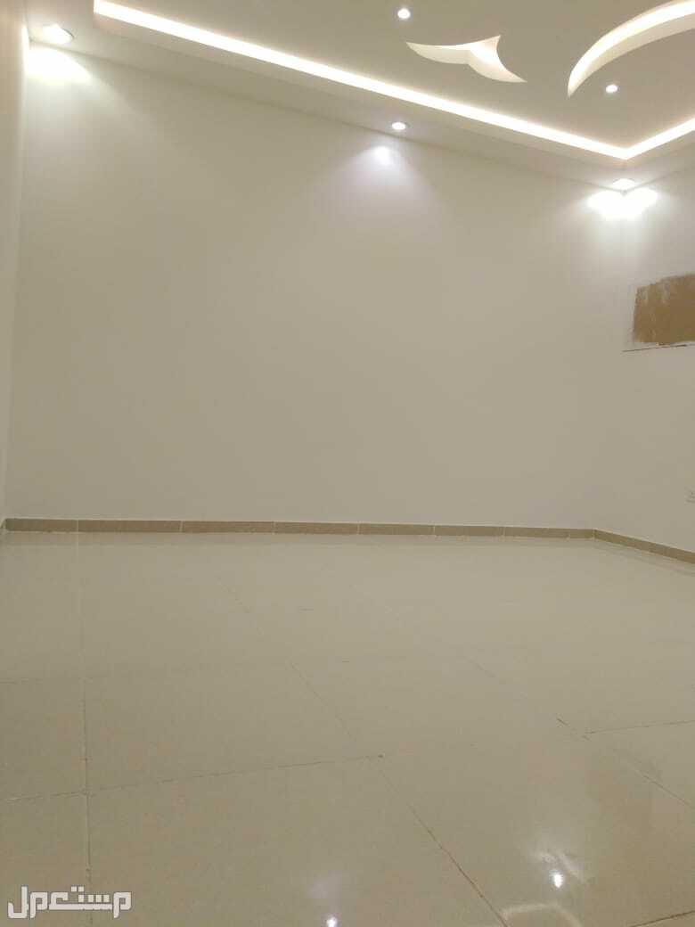 شقه 3غرف جديده للبيع من المالك مباشره