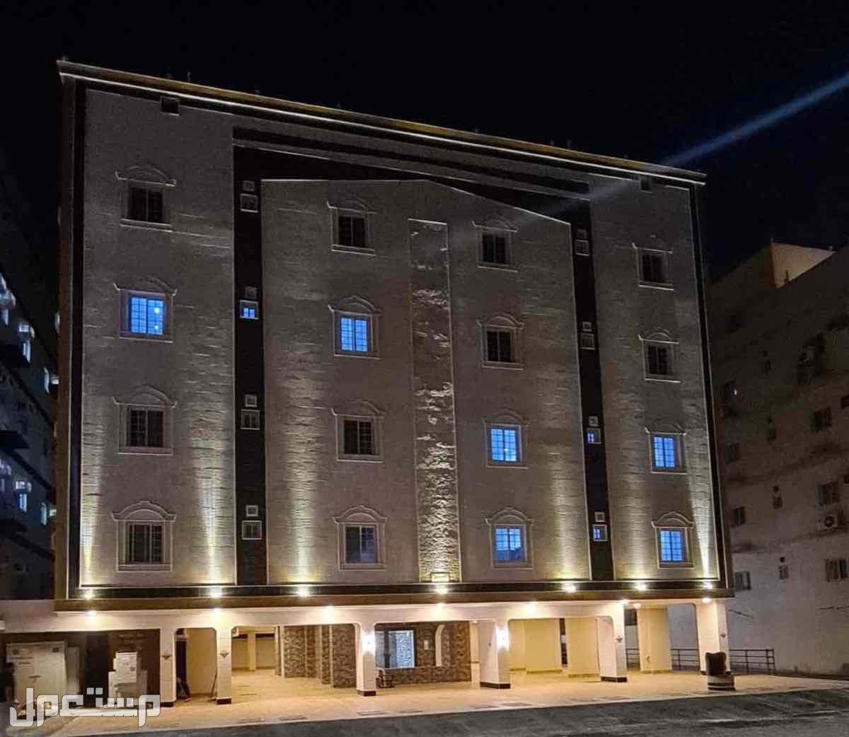 شقه 6 غرف بمنافعها حي التيسير افراغ فوري