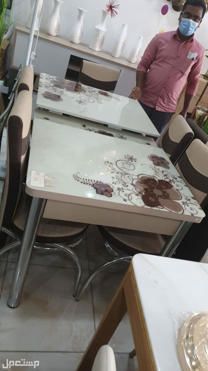 طاولة طعام زجاج تركية  جديدة بالكرتون